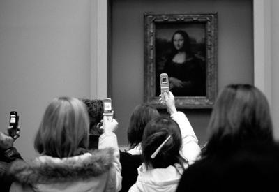 Mona-Lisa-Phone-Home-2